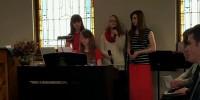 Teens sing (1024x576)